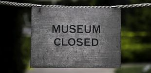 Musuem Closed sign. Photo by Chris McInnis.